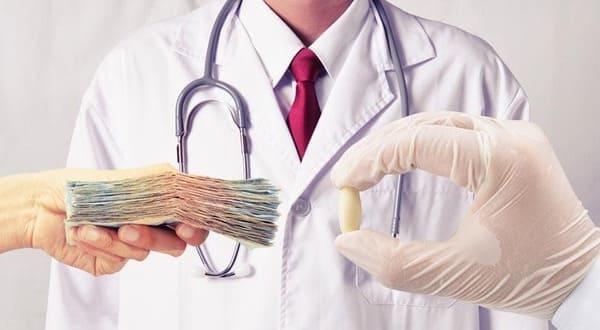 Cómo Surge la Figura del Seguro de Salud con Reembolso en España